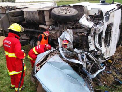 Accidente fatal sobre ruta 5. Dos muertos