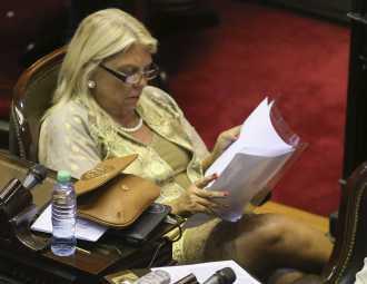 Carrió ratificó ante la Justicia sus acusaciones contra Angelici