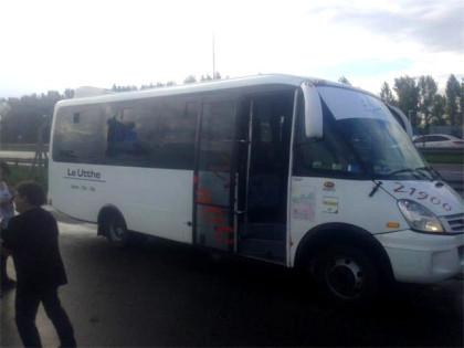 Apedrearon una combi de pasajeros de Bragado y de milagro no hubo heridos