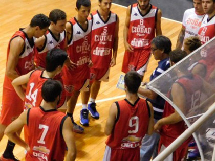 Ciudad de Saladillo le ganó a Racing por el torneo juvenil