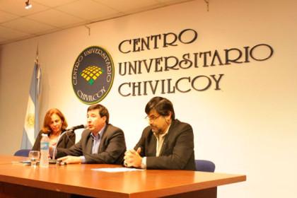 Daniel Arroyo dio una conferencia en el CUCH