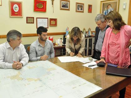 Firman nuevas escrituras de empresas radicadas en el Parque Industrial