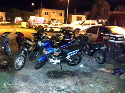 Personal Policial recupera 2 motocicletas sustraídas en la Escuela Nº 33