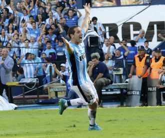 En un partido vibrante, Racing se lo empató a Tigre en el final