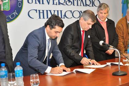 La Municipalidad firmó un Convenio Marco con la Universidad de Lomas de Zamora