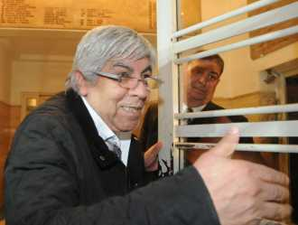 A la final por la presidencia de la AFA: Hugo Moyano y Tinelli