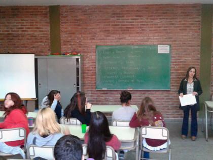 Estudiantes recibieron una charla sobre habilitaciones