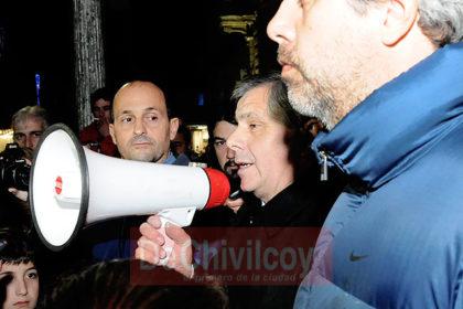 """[Adelanto] """"Tarifazo"""": Una multitud de vecinos reclamó ante el Municipio"""