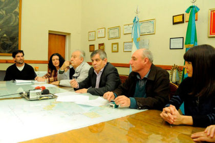 El Intendente firmó un comodato con la Escuela de Artes Visuales