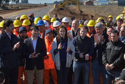 María Eugenia Vidal presentó plan de obras viales para la Provincia: Se invertirán 4.800 millones de pesos y generará 3.100 puestos de trabajo