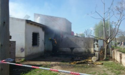 Calle 73 y Monseñor de Andrea: Voraz incendio provoca daños totales en una vivienda