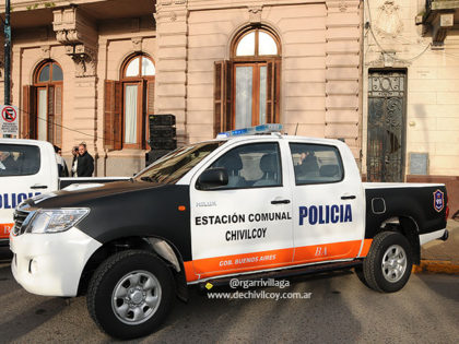 Accidente vial con intervención de un móvil policial