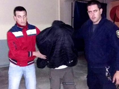 Detienen a un joven que fugaba tras robar una motocicleta