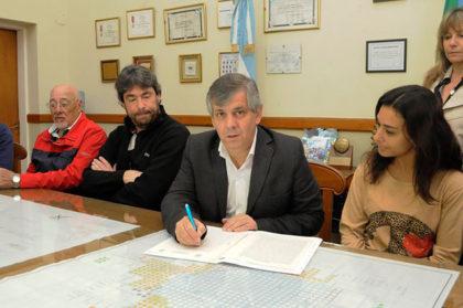 Dos nuevas empresas radicadas en el Parque Industrial firmaron sus escrituras