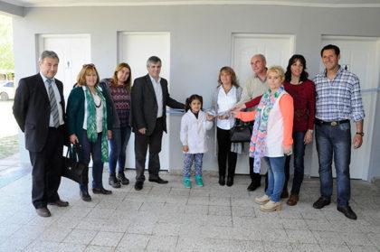 Inauguración de baños en la Escuela Primaria de Gorostiaga