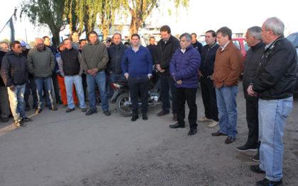 Reunión del intendente junto a personal del corralón