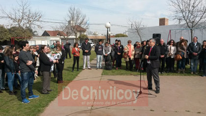 Acto oficial por el Día del Maestro en homenaje a José Ramón Ponce