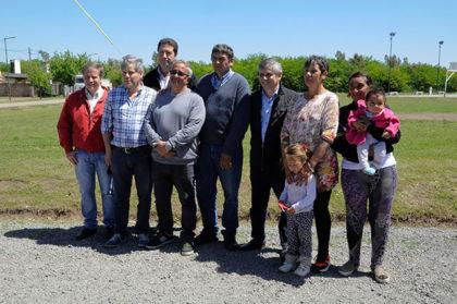 El intendente recorrió obras en el barrio de la Escuela Agraria