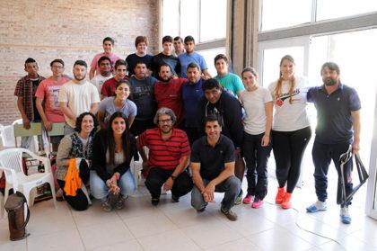 Charla de Guillermo Cazón a estudiantes de Educación Física