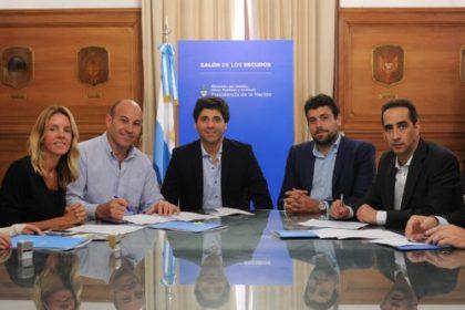 García De Luca firmó convenios de hábitat con municipios de la Provincia