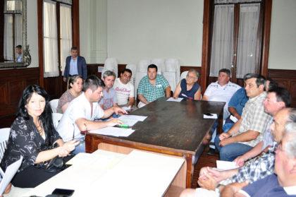 Reunión entre autoridades municipales y dueños de remiserías por cambios en la Ordenanza que los regula