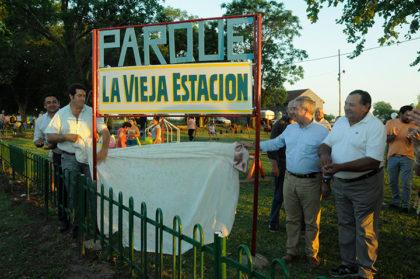 Se inauguró el parque de juegos en La Rica