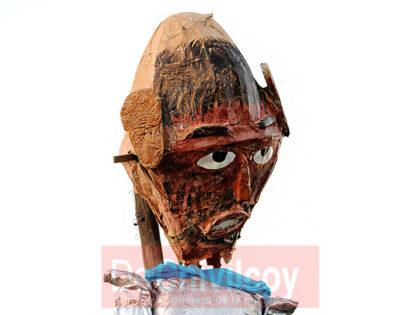 Se realizó la tradicional quema del muñeco organizada por la familia Montenegro
