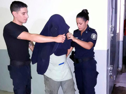 Aprehendido por desobedecer una orden judicial