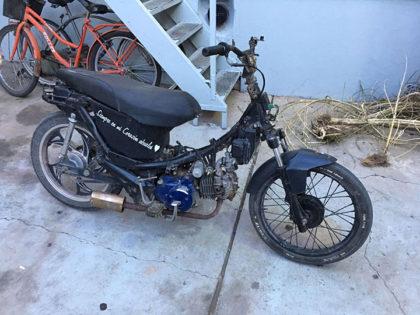 Secuestran una motocicleta robada y detienen al conductor