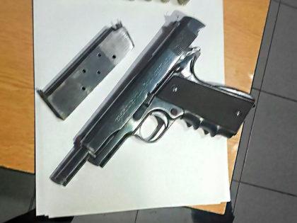 Un detenido por tenencia ilegal de arma de guerra y amenazas tras accidente de tránsito