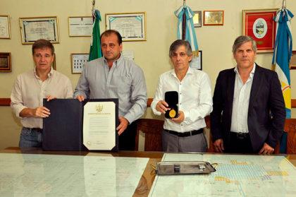 Reconocimiento a Esteban Genaro por su ayuda en Perú