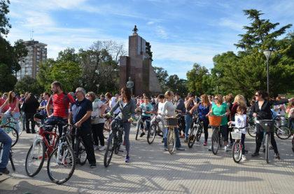 Se realizó la Bicicleteada Familiar por las Plazas de nuestra ciudad