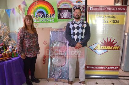 Arco Iris ONG: La Mutual AMANCAR donó mobiliario para la cocina