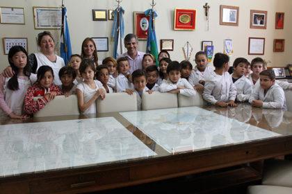 Los alumnos de la Escuela Primaria Nº 11 visitaron la Municipalidad