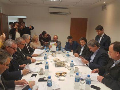 Intendentes del Frente Renovador firmaron convenios por obra pública con el gobierno provincial