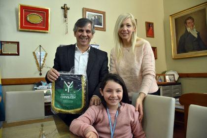 El intendente recibió a Esmeralda Riggio, competidora de patín adaptado