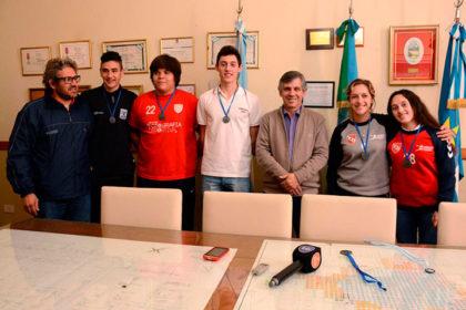 El intendente reconoció a campeones juveniles de handball