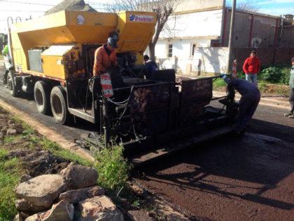 Finaliza la obra de asfalto en Moquehuá