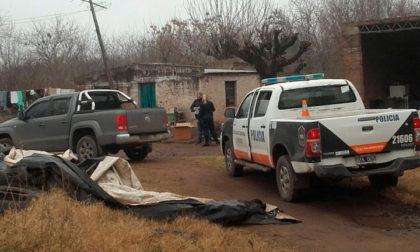 En diversos allanamientos secuestran mercaderías y detienen a dos personas
