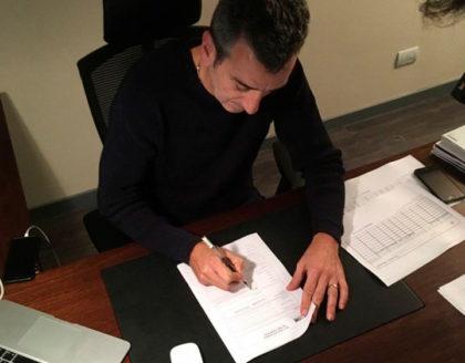 """Randazzo es candidato por el Frente Justicialista: además del """"voy a cumplir"""" estampó la firma"""
