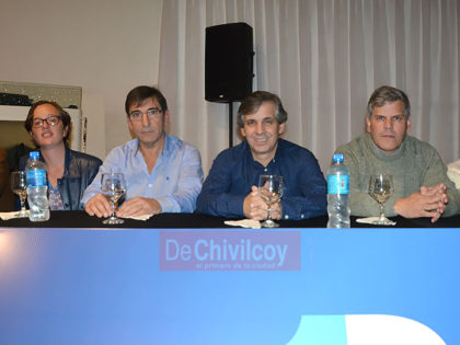 [1País] Guillermo Britos: Una multitud acompañó la presentación de pre candidatos para las PASO [Video]