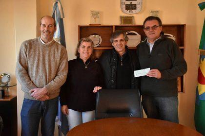 El intendente entregó 67.016 pesos a los Bomberos de Moquehuá