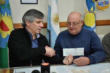 Se entregaron 162.500 pesos a los Bomberos de Chivilcoy
