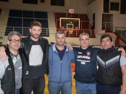 El director de Deportes participó de una charla que realizó el basquetbolista Lucas Arn