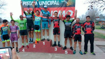 """El equipo de ciclismo Ciudad de Chivilcoy participó del Gran Premio """"Ciudad de Chacabuco"""""""