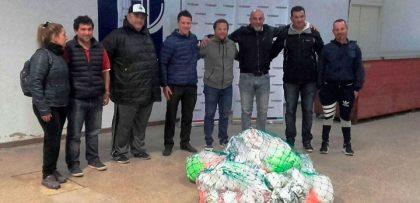 Ferro entregó material deportivo a varios clubes de Chivilcoy