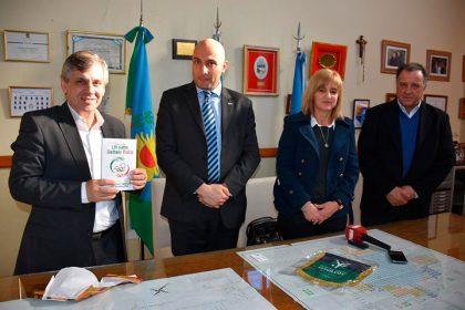 El intendente Guillermo Britos recibió al cónsul italiano Iacopo Foti