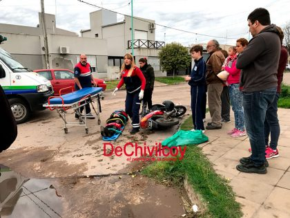 Violento accidente entre motos en Basso Dastugue y Almafuerte