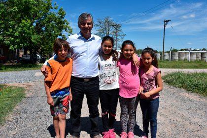 Finaliza la colocación de piedra caliza en el barrio Malvinas Argentinas