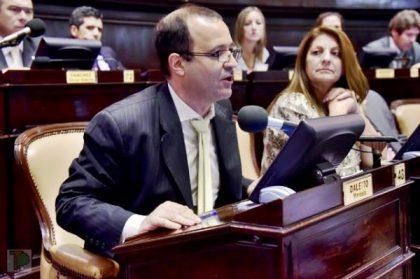 Presentan proyecto de Ley para prohibir cajeros automáticos en Salas de Juego de la Provincia
